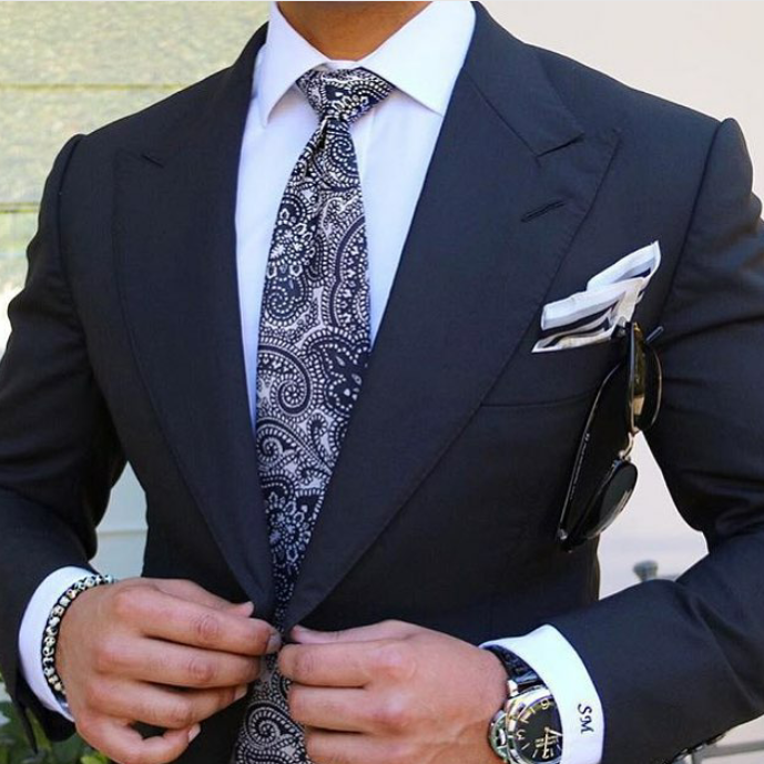 styling-paisley-ties-for-men