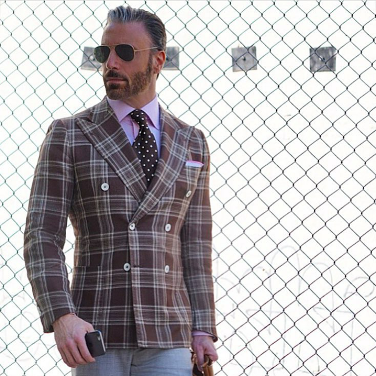 how-to-style-a-brown-patterned-blazer-jacket-for-men