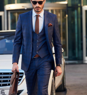 how-to-style-mens-blue-suit