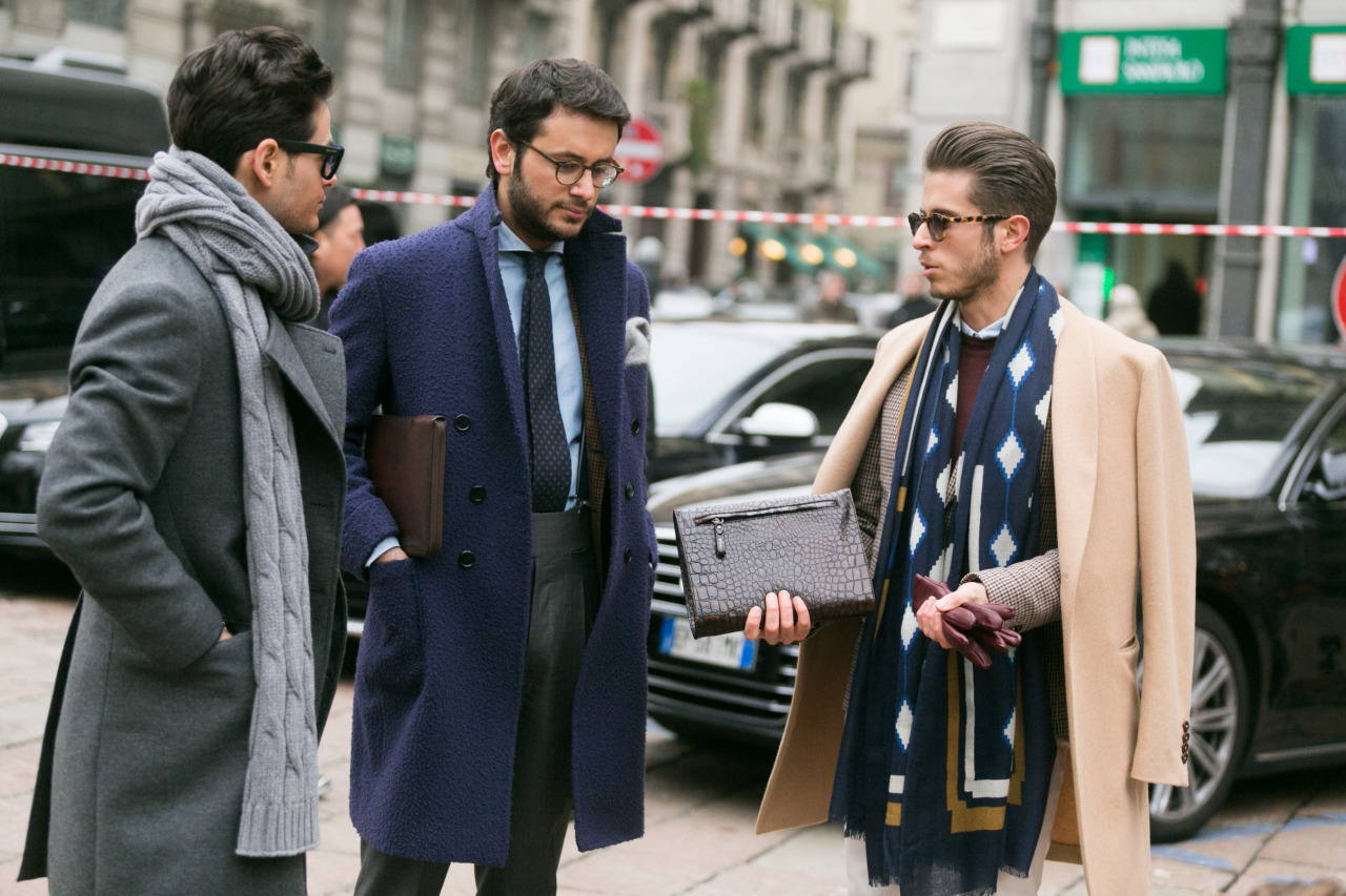 styling-winter-scarves-for-men-with-suits