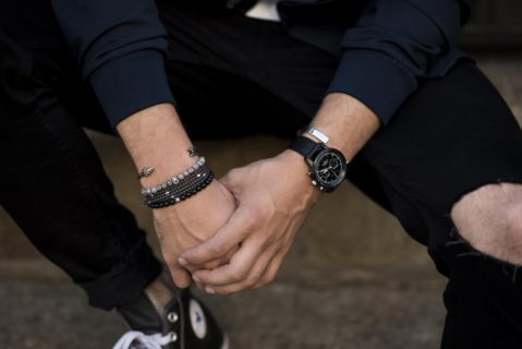 styling-mens-beaded-bracelets-with-streetwear