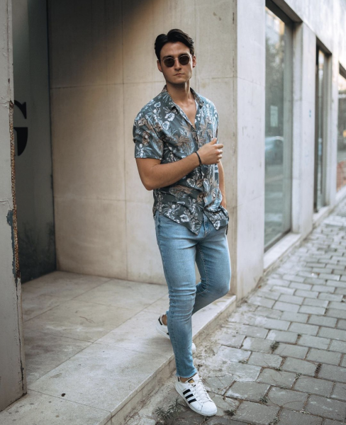 how-to-style-mens-patterned-shirts-on-jeans