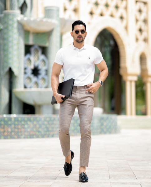 styling-mens-polo-shirt-with-trousers-chinos-loafers-how-to-wear