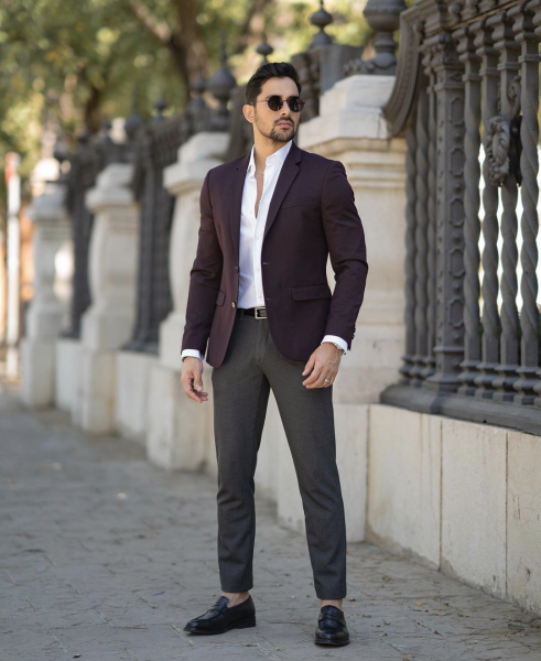 grey-trousers-chinos-purple-blazer-white-shirt-how-to-style-business-casual-wear-for-men