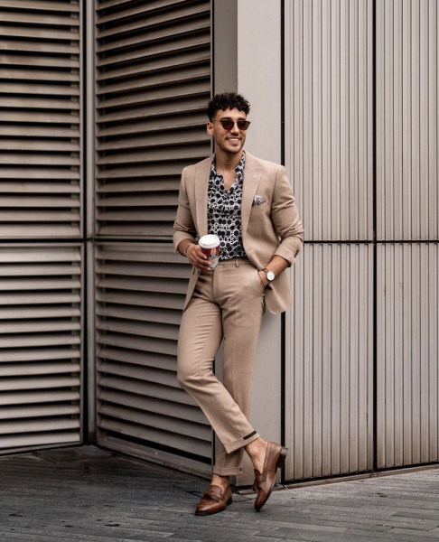 styling-mens-business-casual-look-with-a-patterned-shirt
